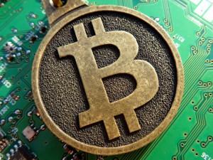 bitcoin640-629x472
